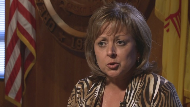 New Mexico governor vetoes pay raise for successor