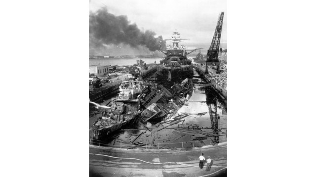 WWII PEARL HARBOR ATTACK_1544119624407