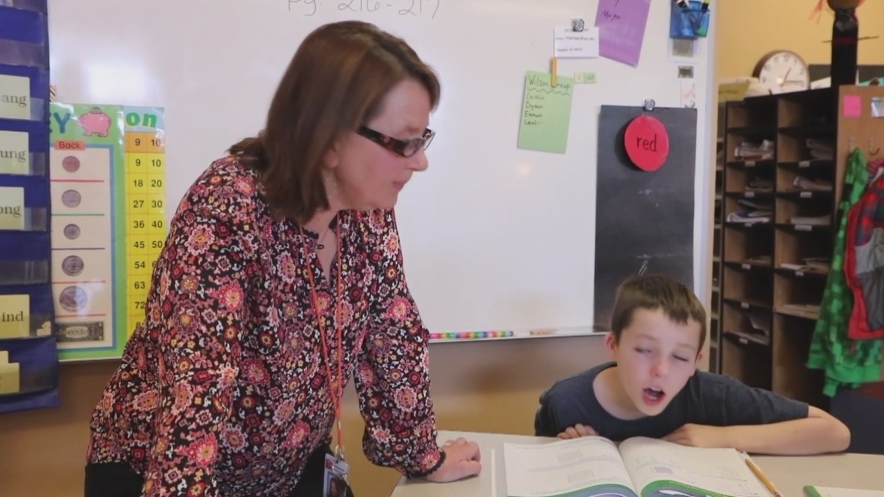 Golden Apple: Sharon Eanes teaching strategies to empower her students